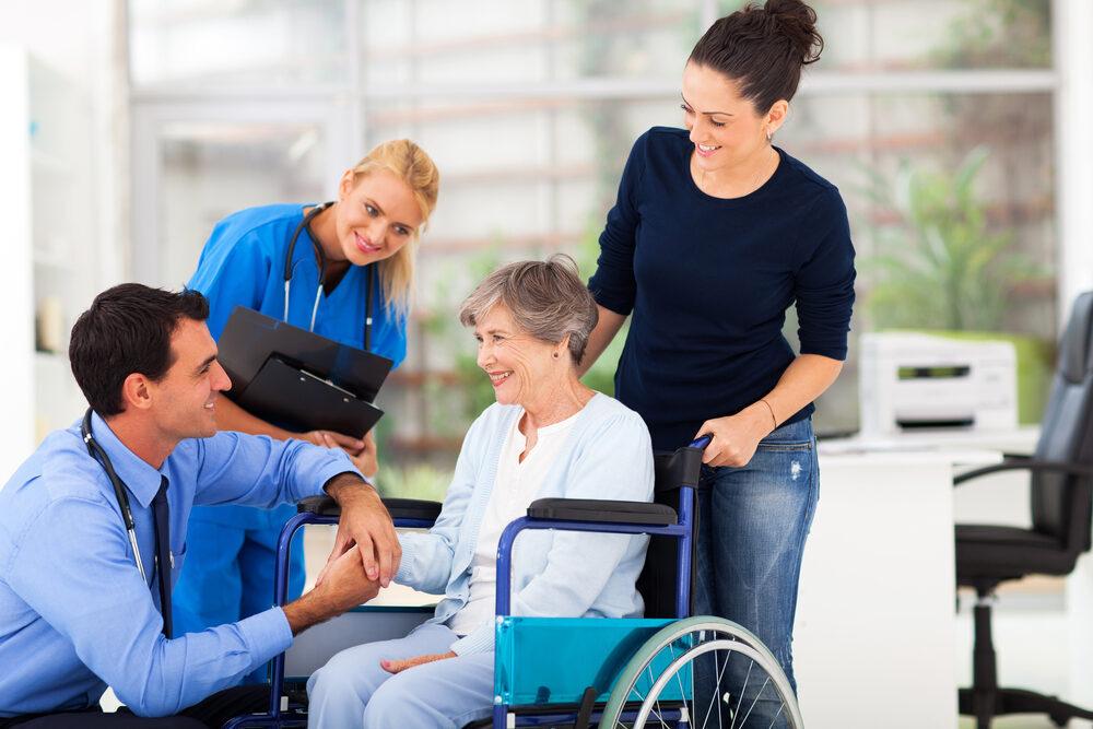 Alltagshelfer begleiten zu Terminen und Besuchen bei Ärzten und Therapeuten